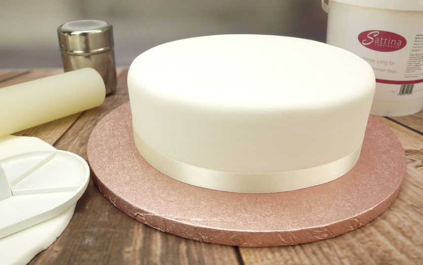 Why You Need To Use Fondant Icing In Your Cake