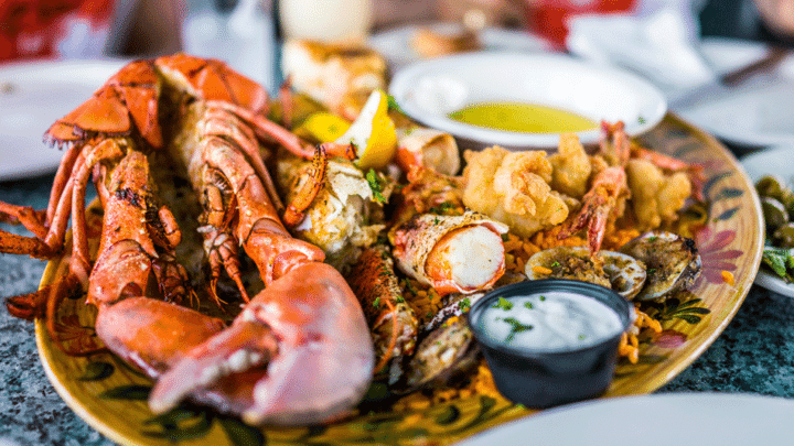 Few Tips to Choose A Seafood Restaurant